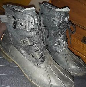 UGG Australia Womens Cecile Waterproof Boots